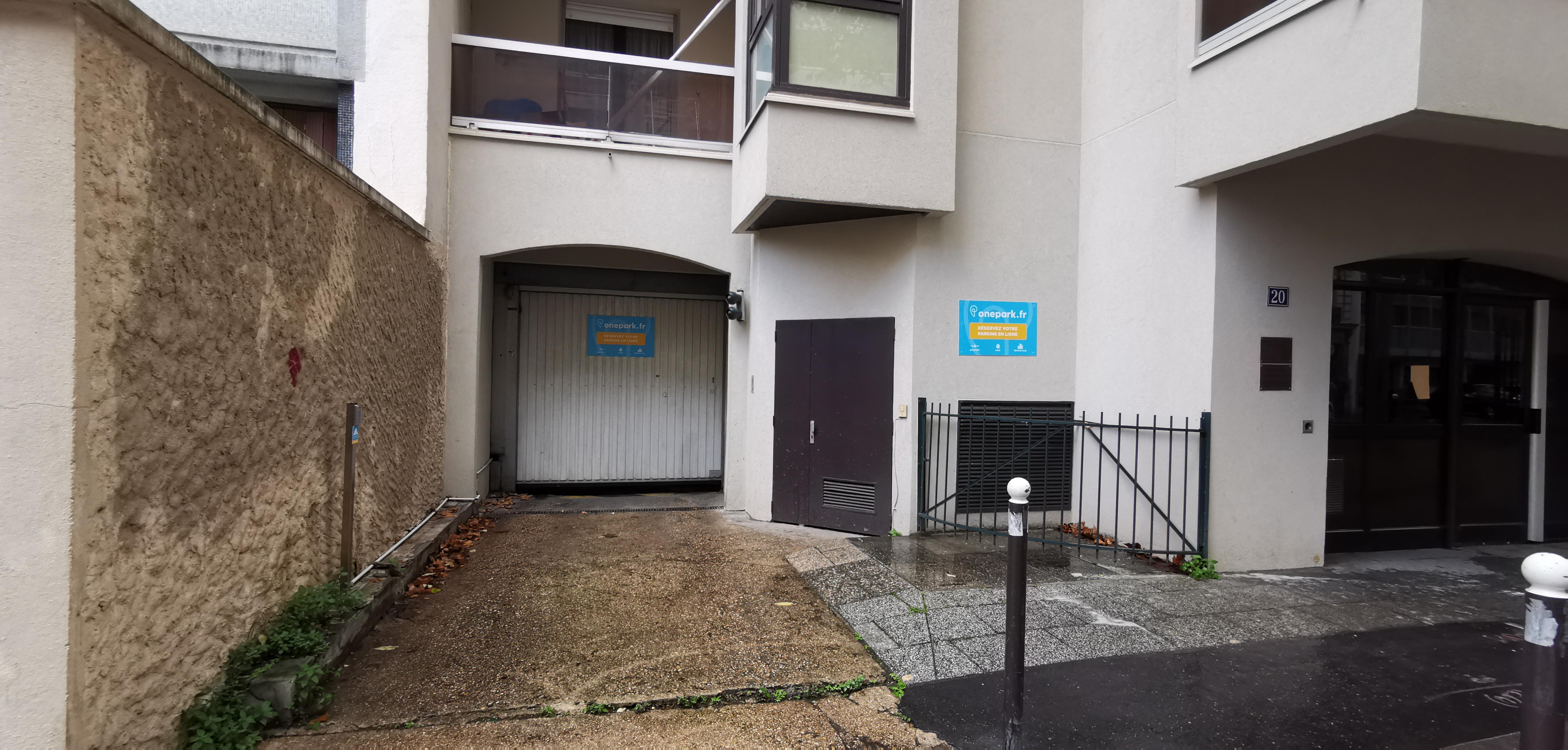 Parking Immeuble 18-20 RUE POLIVEAU (Couvert) - Parking public - Paris